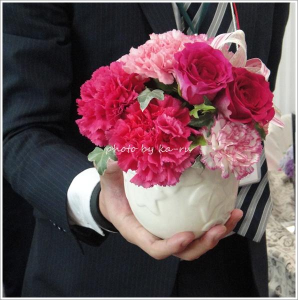 本日5月2日までに注文すると母の日5月11日に届く 日比谷花壇