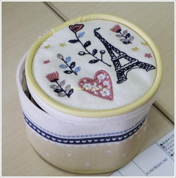刺繍モチーフ入りアクセサリーポーチ4