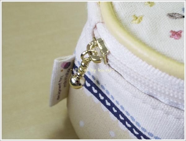 刺繍モチーフ入りアクセサリーポーチ3