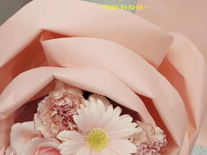 バラの形の花束ペタロ・ローザ 「フェミニンピンク」0003