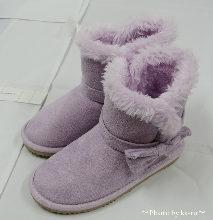 コモコモとかわいいリボンがついた「2WAYリボンベルトムートン風ブーツ」子供ブーツ