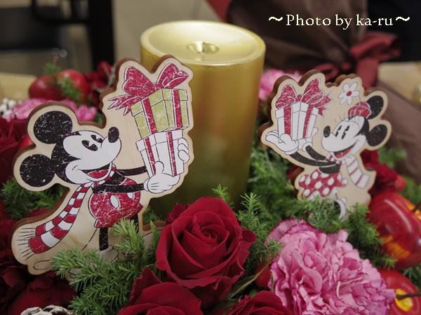 ディズニーと一緒にクリスマス!リース型のアレンジメント「ミッキー&ミニー キャンドルナイト」