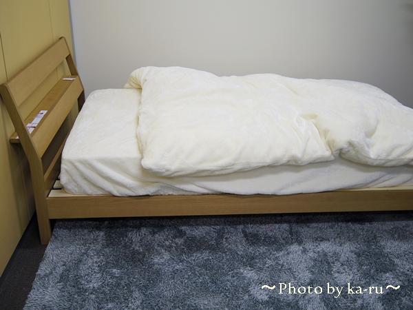 棚付きシンプルすのこベッド_4