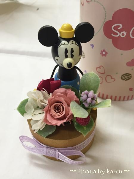 ミニーのプリザーブドフラワーとスイーツセット 名入れカード付き!出産・結婚祝いにオススメ