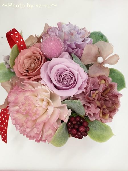 母の日にお花と「博多あまおう 花いちごアイス」のセットをプレゼント