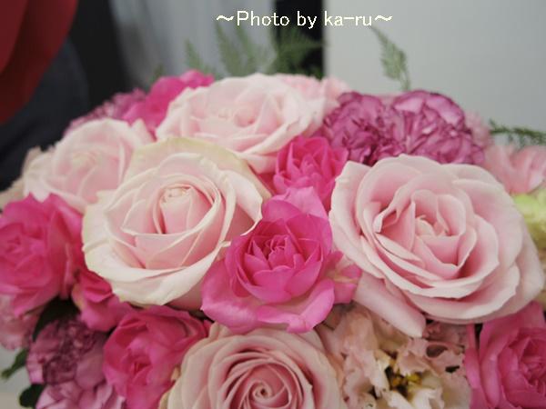 ピンクのバラを贈るなら!アレンジメント「ローズガーデン」日比谷花壇