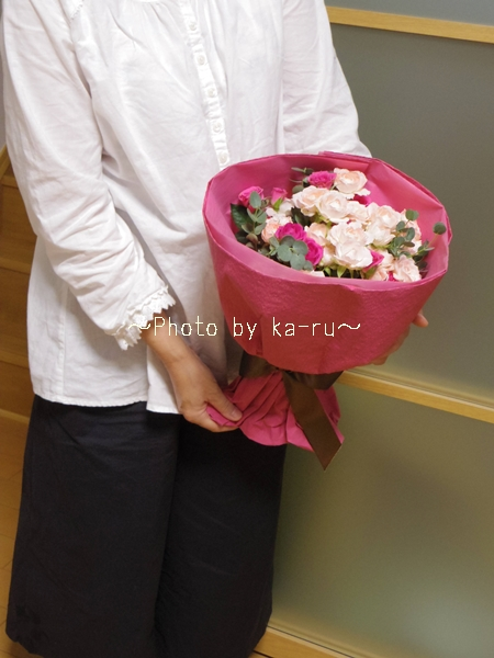 結婚記念日は花束をプレゼント!幸せを呼ぶピンク系花束「ローズ」