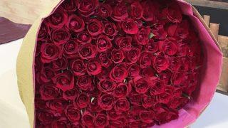 100本の赤いバラをサプライズギフトに!100本の赤バラの花束「アニバーサリーローズ」