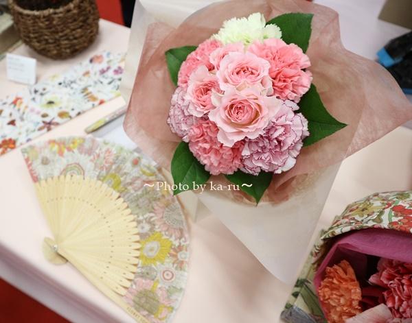 母の日 「リバティプリント扇子」と花束のセット_