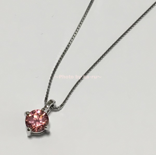 ピンクのスワロフスキージルコニア1