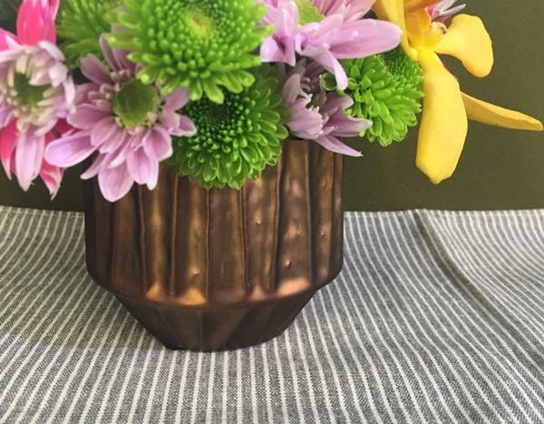 お正月 とらや「干支小形羊羹5本入」とアレンジメントのセット 陶製花器