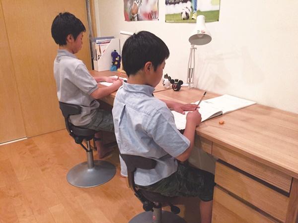 アーユルチェア_学習椅子