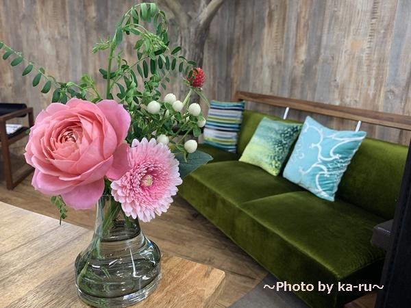 日比谷花壇「ハナノヒ教室 ~基礎から学べる花瓶生け~」_フラワーブッフェ 選んだお花 活けた