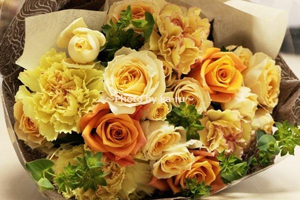 イイハナ母の日 花束「陽だまり~感謝を込めて~」_イエローやオレンジ系の花束