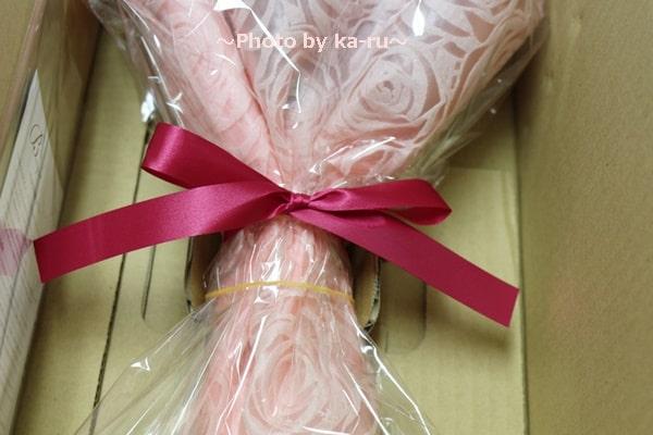 イイハナ母の日花束「イッツ・ア・マザー」_梱包 ピンクのリボン