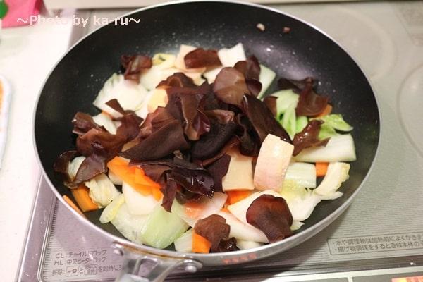 国産乾燥きくらげで八宝菜の調理