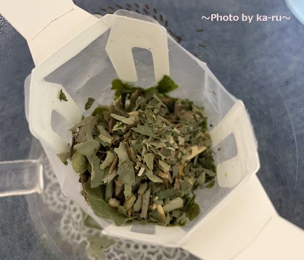 「Drip Tea」美味しい入れ方_スパイスを入れる