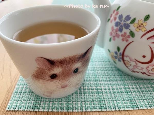 フェリシモ「ハムスター雑貨コレクションの会」お茶を飲む